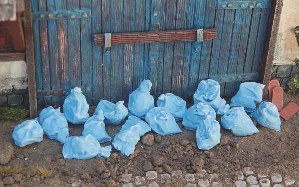 Müllsäcke blau 10 Stück lose Modell von Juweela 1:35